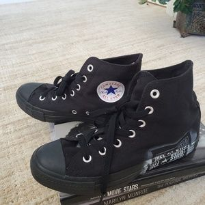 Converse All Star Black and white hi tops